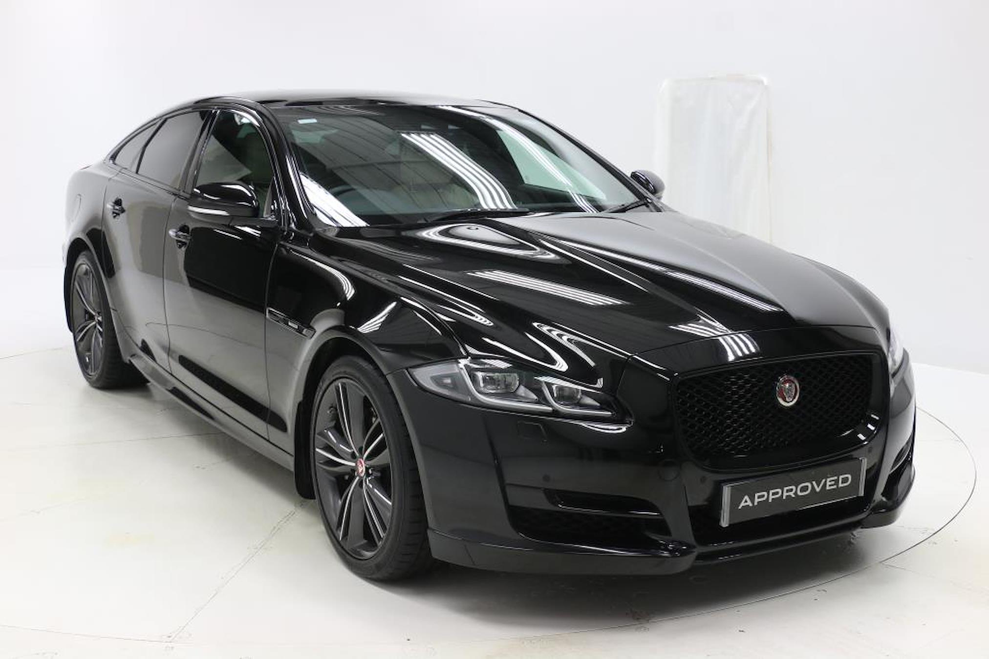 Used Xj Jaguar 3 0d V6 R Sport 4dr Auto 2019 Lookers