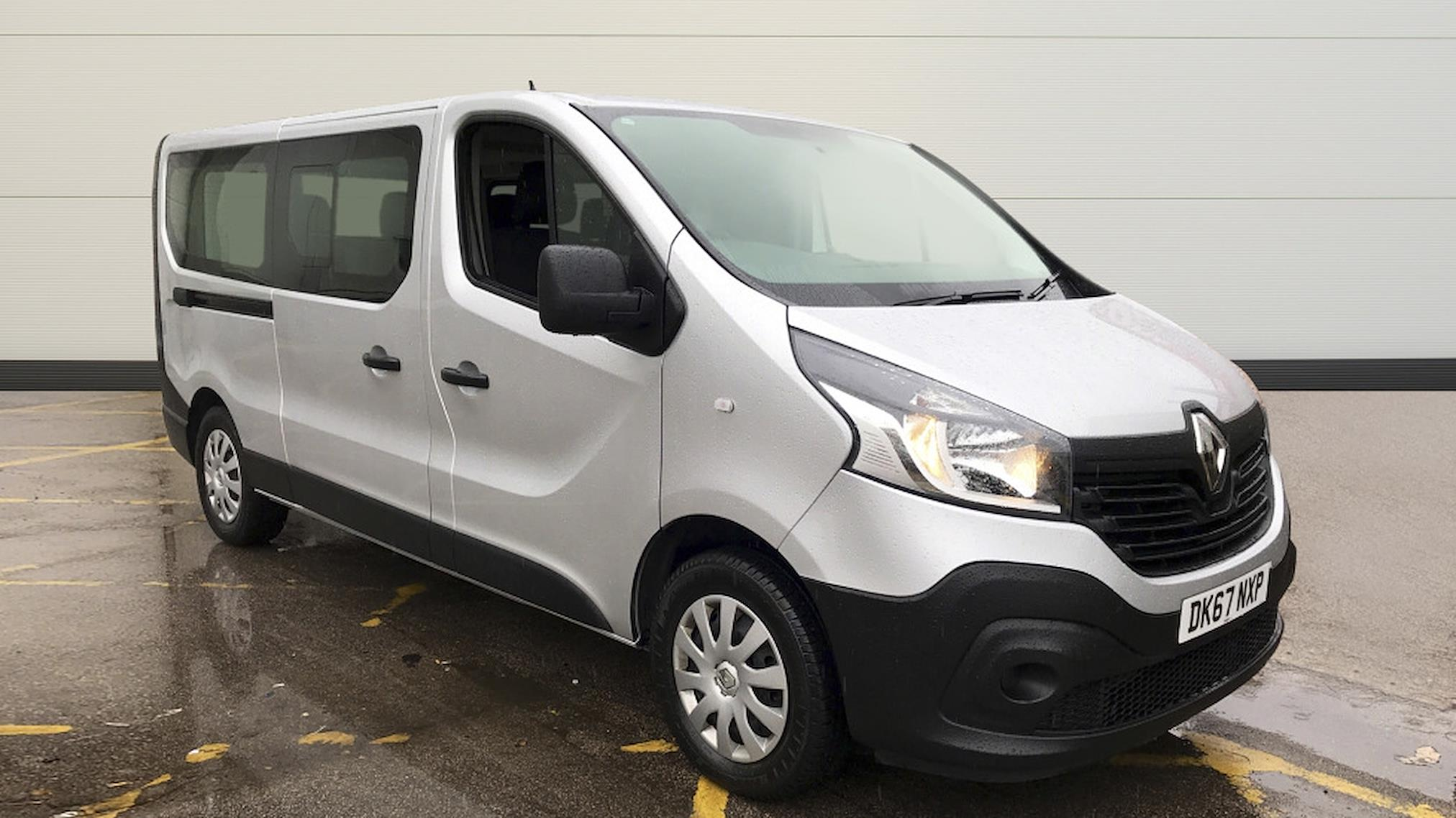 65a9b26971 Used TRAFIC RENAULT Ll29 Energy Dci 125 Business 9 Seater 2014